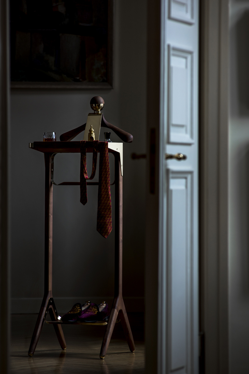honorific_london_gentlemans valet_stand_06