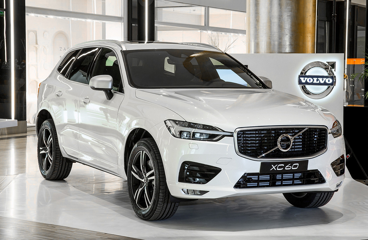 the new volvo xc60 it 39 s a man 39 s class. Black Bedroom Furniture Sets. Home Design Ideas