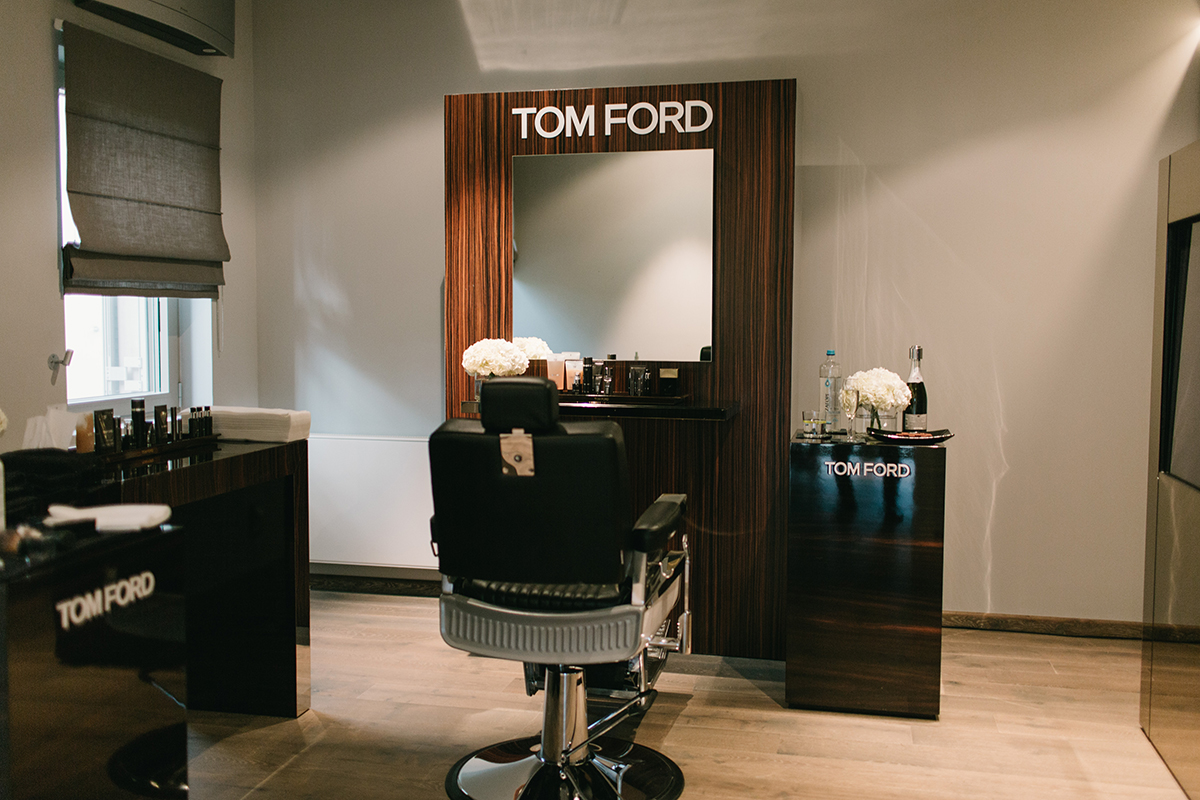 tom ford for men it 39 s a man 39 s class. Black Bedroom Furniture Sets. Home Design Ideas