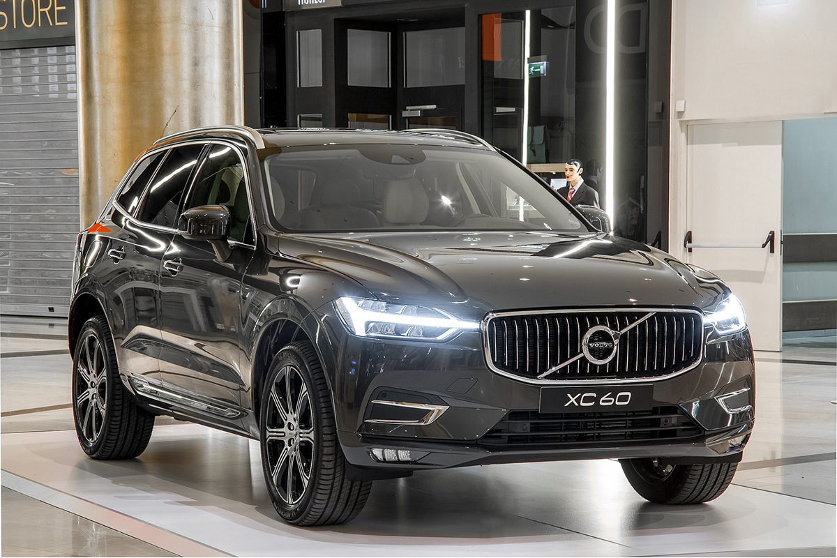 volvo_xc60_golden-1